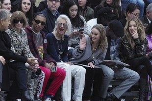 Anna Wintour, Pharrell Williams, Cara Delevingne, Lily Rose Deep e Rita Ora