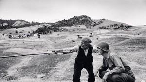 mostra 'ROBERT CAPA RETROSPECTIVE Copyright:Didascalia Robert Capa International Center of Photography / Magnum Photo (ANSA)