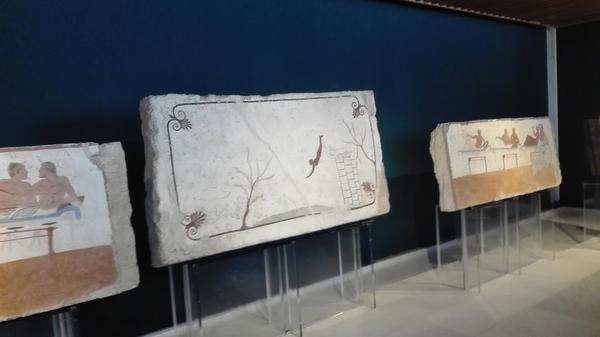 Paestum, la Tomba del Tuffatore fa ritorno a casa. Mancava dal 2015