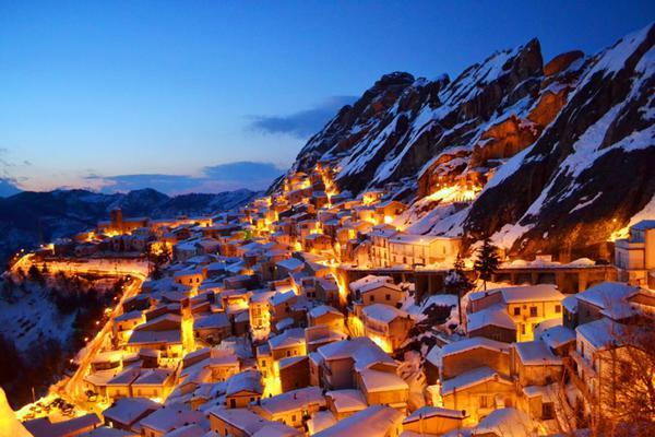 BORGHI PRESEPI il piccolo borgo lucano di Pietrapertosa, ar © ANSA
