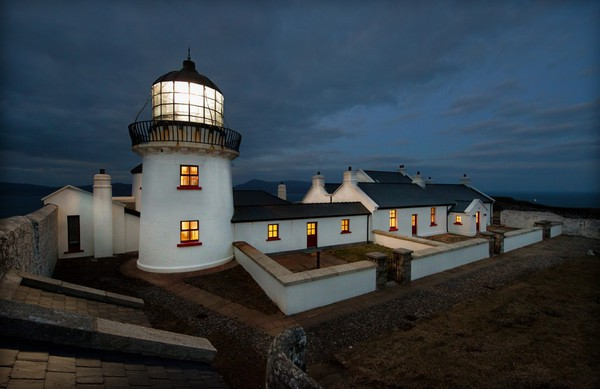1. Clare island Lighthouse, Clew Bay, Contea di Mayo © Ansa
