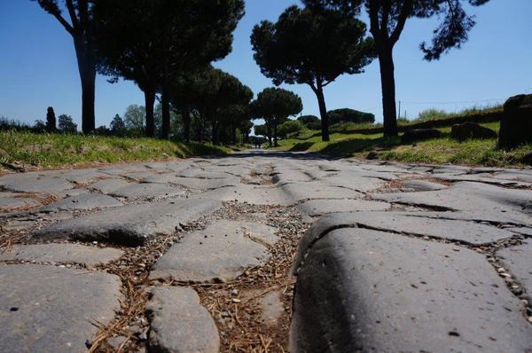 Roma, la via Appia celebrata con una mostra e un libro