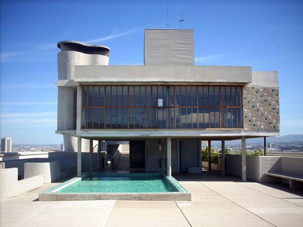 Da le corbusier ad armani gli hotel di architetti for Case realizzate da architetti