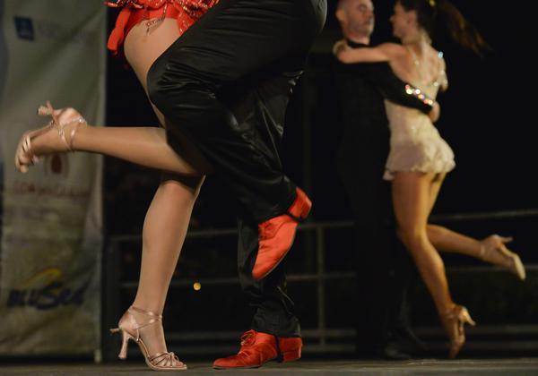 Il liscio fa ballare la Romagna e questa sera si replica