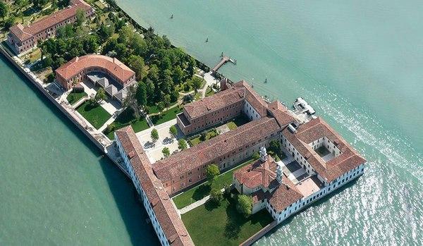 L'isola di san Servolo, cittadella dello studio, della ricerca e della cultura a Venezia © Ansa