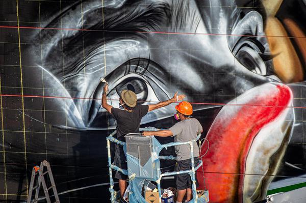 Costo Di Un Murales.A Imola Un Murales Di Kobra Celebra Senna Emilia Romagna