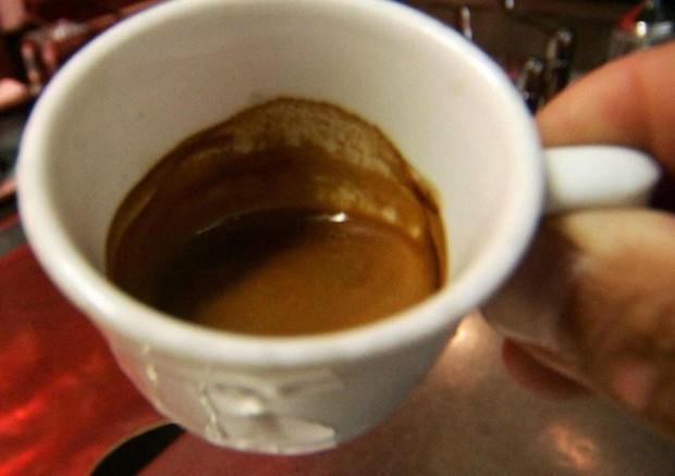 Caffè difende da cancro del fegato,5 al dì dimezzano rischio © ANSA