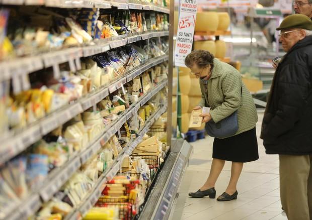 Alimenti: da oggi obbligo identikit nutrizionale su etichetta