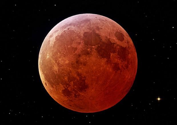 Il 27 luglio la Luna si colora di rosso con l'eclissi totale del secolo (fonte: NASA) © Ansa