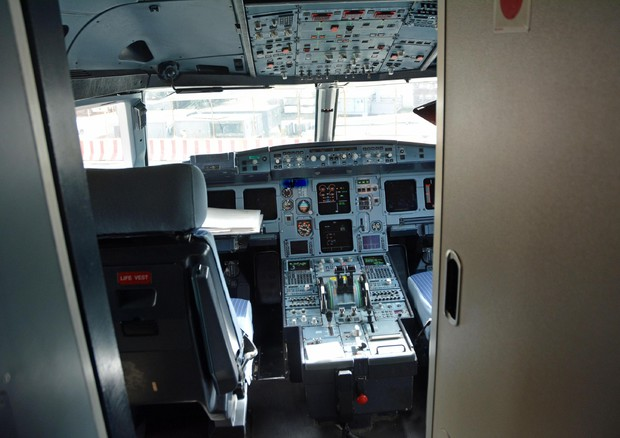 Depressione per 13% piloti di linea, 4% ha pensieri suicidi © ANSA