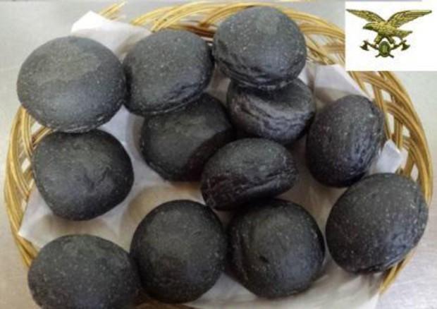 Pane al carbone e bio cinese tra news pi popolari su rete cibo salute - Il carbone vegetale fa andare in bagno ...