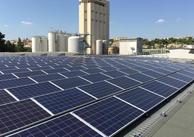 Energia 3sun 100 mln per pannelli fotovoltaici del for Immagini pannello solare