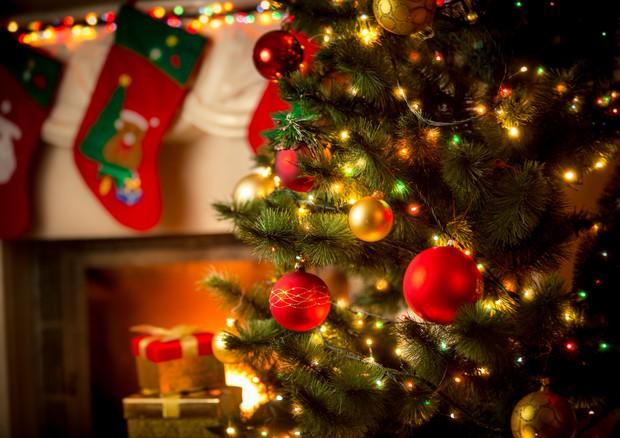 A Natale rischio depressione e stress 'felicità obbligata' © Ansa