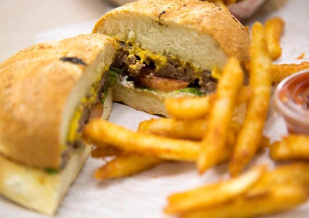 Fast food e preconfezionati: con gli ftalati aumenta il rischio di cancro
