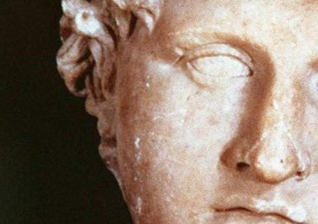 Una scultura che raffigura Alessandro Magno © ANSA