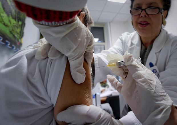 Salute, Lorenzin: via libera al Piano nazionale vaccini
