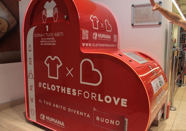 cheap for discount cec2f 0cbbd Clothes for Love, cassonetto hi-tech per abiti usati ...
