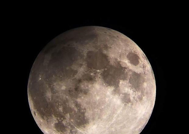 Le immagini della Luna in penombra
