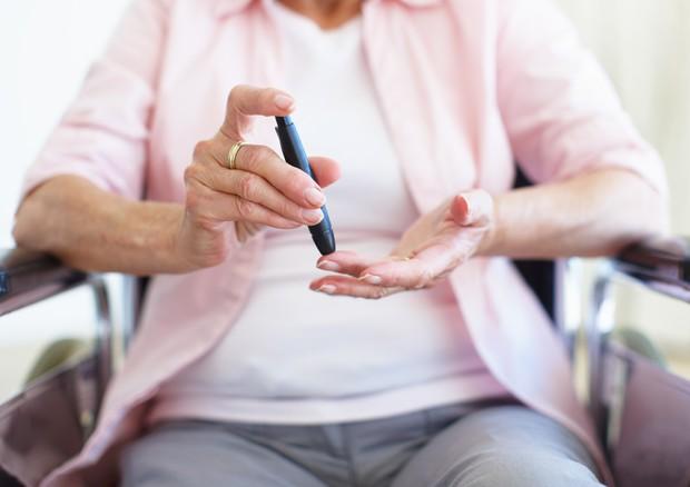 Diabete, muoiono più le donne che gli uomini: scopriamo perché