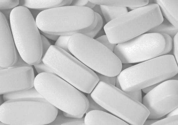 Messa in commercio dell'ecstasy in farmacia: dallo sballo alla cura