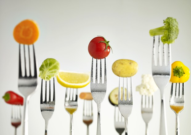 Frutta e verdura 3 porzioni allungano la vita FRUTTA-VERDURA ELISIR LUNGA VITA