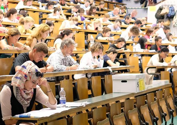 Test medicina 2018, le risposte alle domande: frattale, costituzione, Dna e biscotti