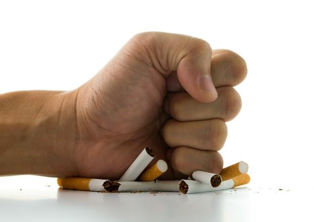 Smettere di fumare riduce infiammazione, ma dopo molto tempo