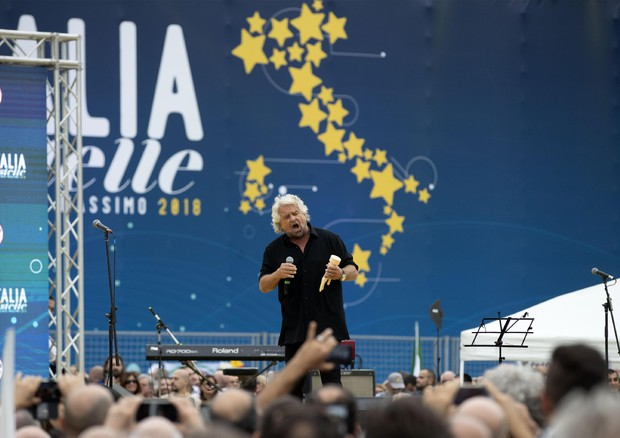 Renzi: 'Grillo mi fai schifo, hai insultato i bambini autistici'