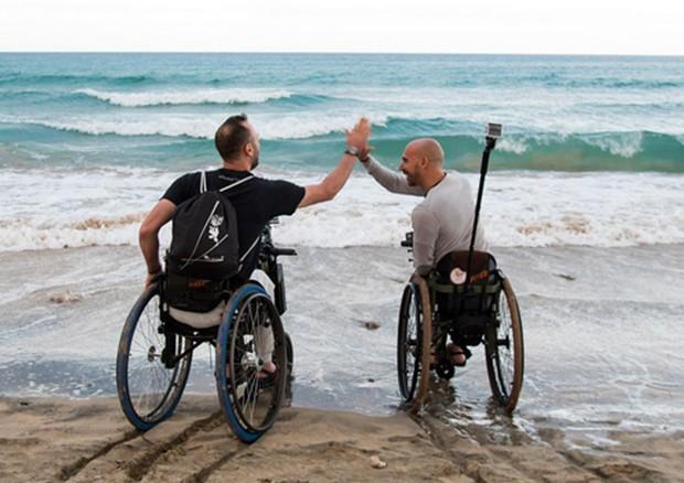 Viaggio intorno al mondo senza limiti per due disabili in carrozzina © ANSA