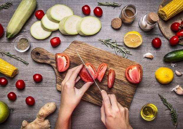 Eating herbal or vegan helps to control diabetes © Ansa