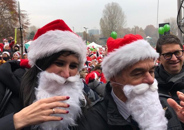 Babbi Natale.Torino Maxi Raduno Babbi Natale Speciali Ed Eventi Ansa It