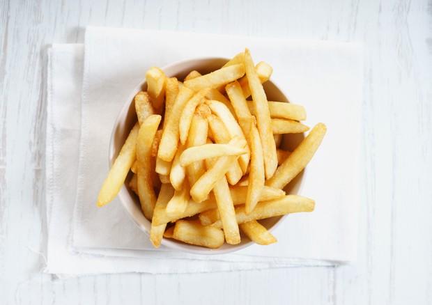 Una porzione di patatine fritte © Ansa