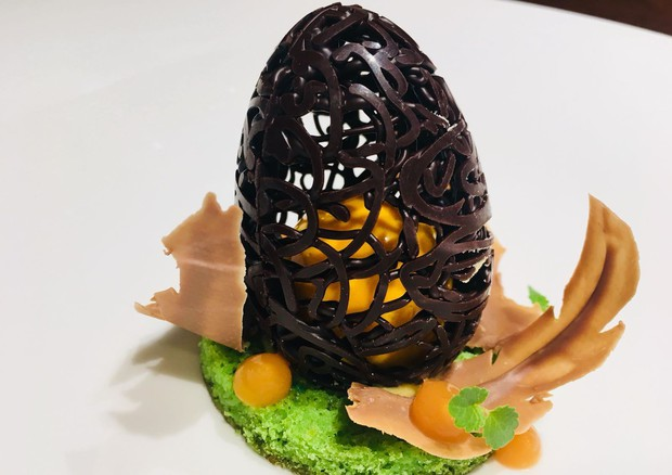 L'uovo di  Marco Sacco,  al Piccolo Lago di Verbania © ANSA