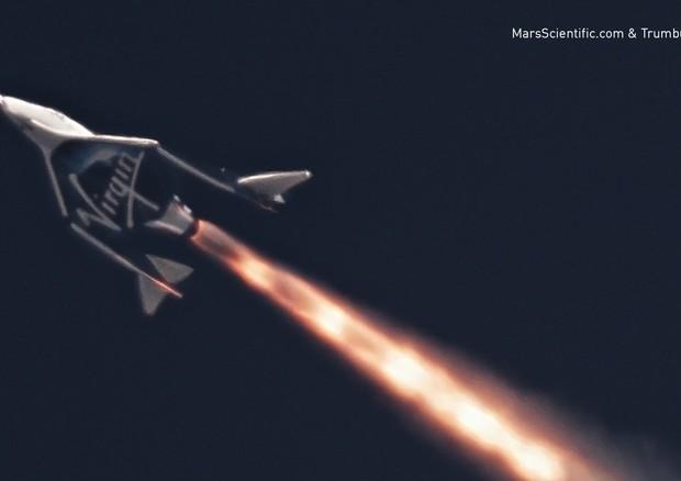 SpaceShipTwo di Virgin Galactic ha completato il primo volo supersonico dal 2014