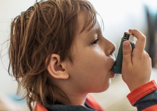 L'asma è una malattia cronica e colpisce tre milioni di italiani © Ansa