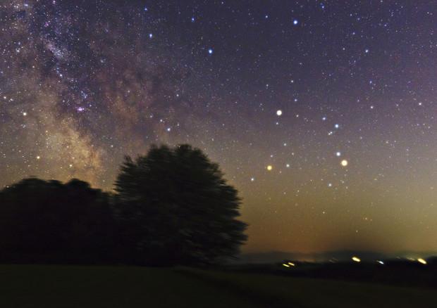 Saturno e gli altri pianeti visibili nelle prime notti d'estate (fonte: H. Raab, Flickr) © Ansa