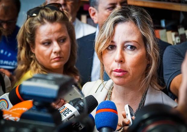 Napoli, tentata aggressione al ministro della Salute Giulia Grillo