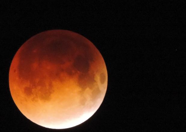 Risultati immagini per eclissi di luna