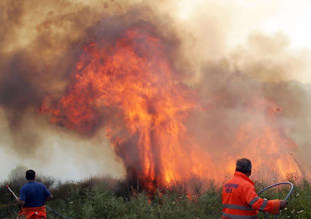 Usa - Incendi in California, sale a sei il bilancio delle vittime