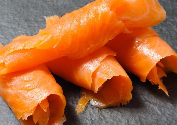 Rischio listeria nel salmone, richiamo lotto