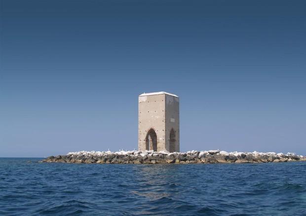 La torre della Meloria al largo delle coste del Porto pisano nel 1284 (fonte: Filippo Gini) © Ansa