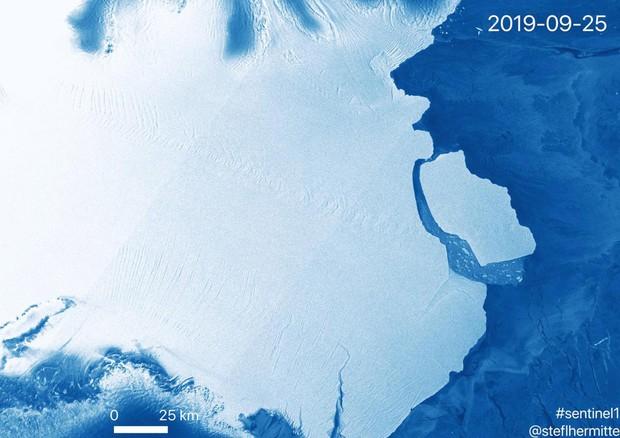 Iceberg gigantesco si stacca dall'Antartide
