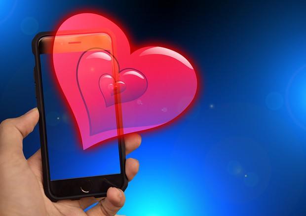 Lo smartphone diventa un amico del cuore (fonte: Pixabay) © Ansa
