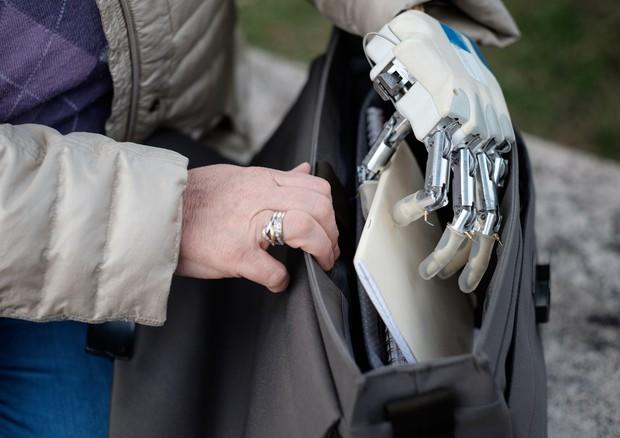 Sant'Anna, ecco la mano bionica (ma anche 'sensibile')
