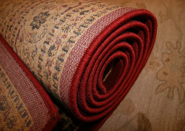 Tappeti In Tessuto Riciclato : La seconda vita dei tappeti allinsegna della sostenibilità