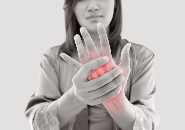 Esperti, malattie reumatologiche in aumento, serve più prevenzione © Ansa