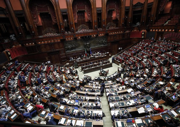Un momento alla Camera durante l'esame della proposta di legge costituzionale sulla riduzione del  numero dei parlamentari © ANSA