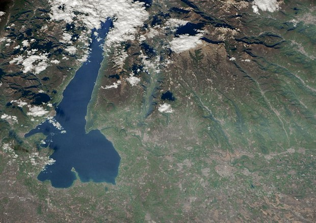 Il lago di Garda fotografato dalla Stazione Spaziale (Iss). (fonte: Andrea Meado, Jacobs Technology, JETS Contract at NASA-JSC) © Ansa
