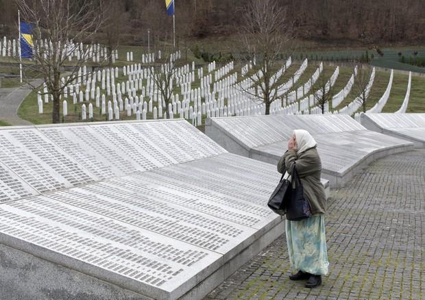 Olanda responsabile solo del 10% per strage Srebrenica