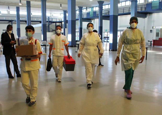 Coronavirus, contagi in aumento in Italia: 412 nelle ultime 24 ore